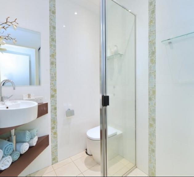 Gordonvale House - Bathroom 2